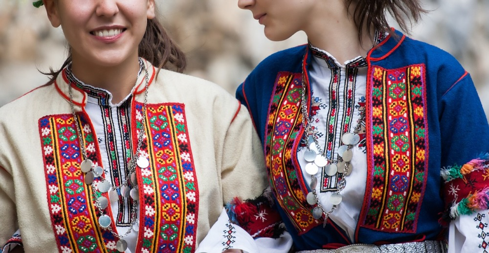 bulgarian folk costume 4017175 1280
